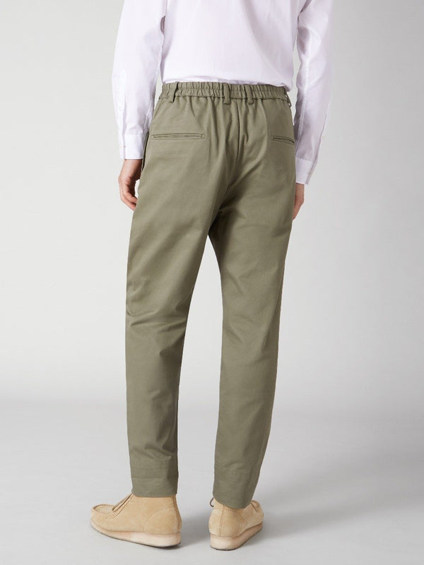 Pleated Tapered Trouser