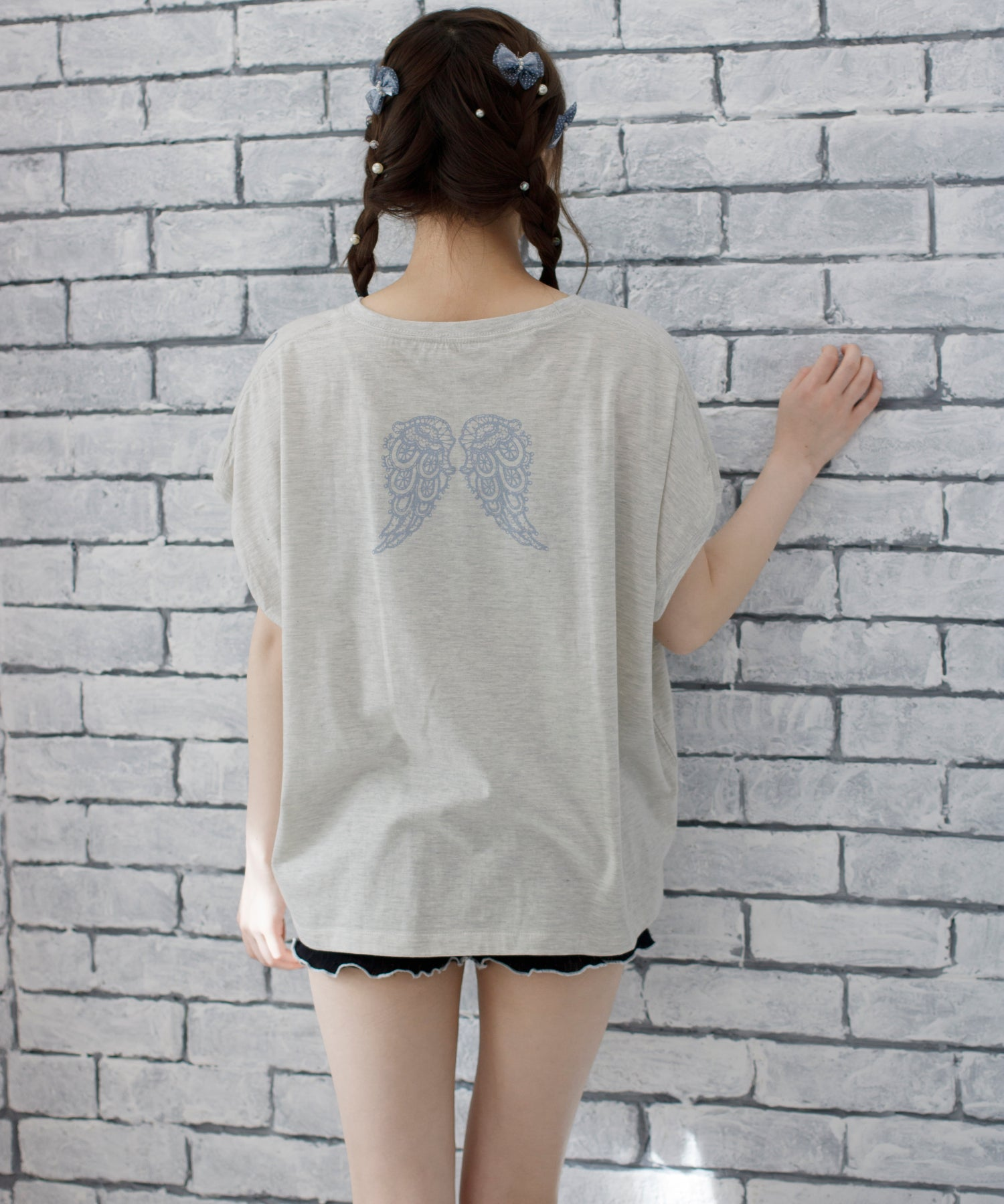 angelic wing T-shirt