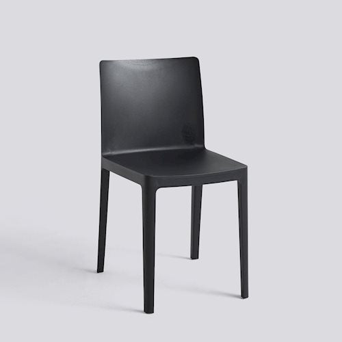 With Élémentaire, Ronan and Erwan Bouroullec set out to create a chair that is both aesthetically and physically balanced. A mélange of years of work and experience, Élémentaire uses the latest technology to create a chair that is robust enough to be a long-lasting object while still appearing delicate.