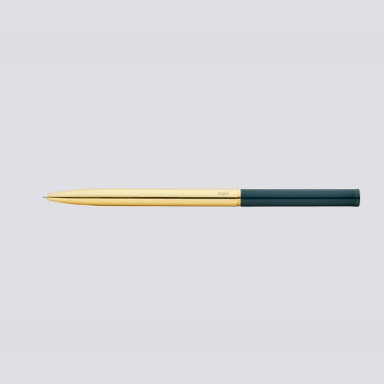Designed to combine functionality with a modern aesthetic, Pen offers a sleek, uncomplicated expression featuring a colour-blocked design to create a contemporary look of sharp contrasts.
