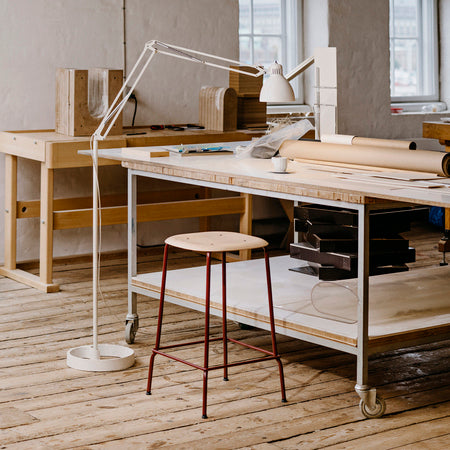 Made possible by exploring innovative developments in moulded plywood techniques, Iskos-Berlin's Soft Edge series blends strong curves with extreme lightness to create a three-dimensionality that is not normally possible with 2D plywood. All the edges of the ultra-thin, soft-formed seats are bent away from the body, designed to optimise human-centric comfort for constant shifting and movement. The long steel legs on Soft Edge 30 enhance the minimalistic aesthetics and create a feeling of lightness. Its stre