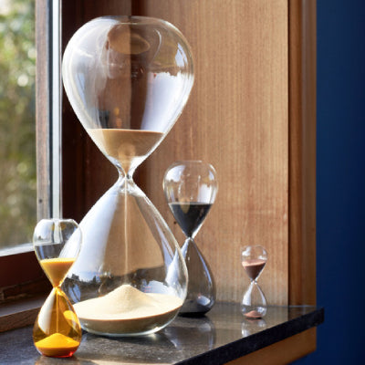 With its organic, soft shape and complementary combinations in clear and coloured glass with fine sand, HAY's Time hourglass offers a contemporary twist on the classic hourglass timer.