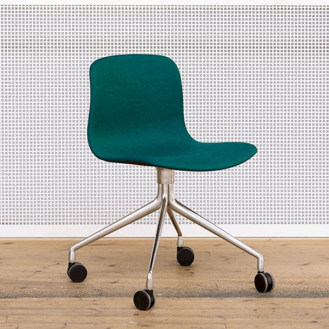 About A Chair / AAC 15 (PRE-ORDER)