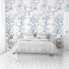 Load image into Gallery viewer, Romantic white Chinoiserie bedroom wallpaper