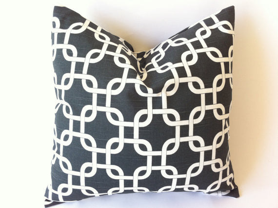 Cushion - white lattice chain