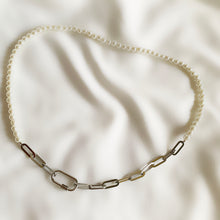Load image into Gallery viewer, Rhian - Pearl & Silver Chain Necklace