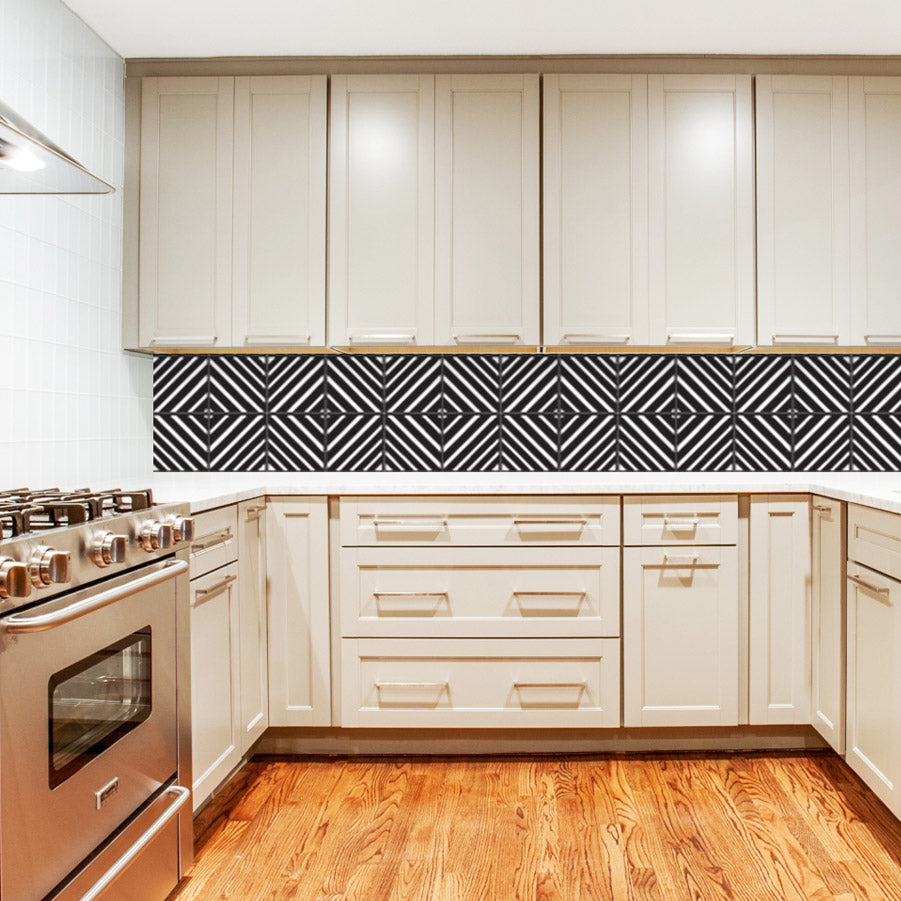Geometric stripes - Black & White Vinyl wall tiles
