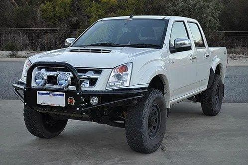 Xrox bullbar for Holden Rodeo RA7 - NZOffroader