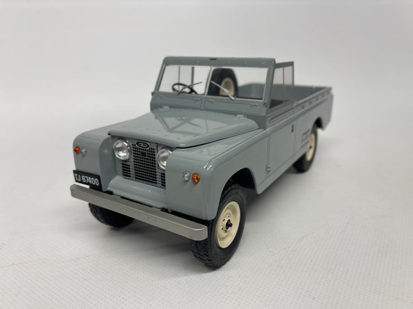 Landrover 109 Series 2 Pickup . Grey . MCG. 1/18 Scale. New & Boxed .