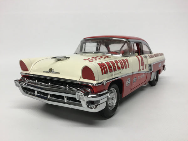 Mercury Montclair 1956 . Billy Myers Nascar. Sunstar Platinum . 1/18 Scale. New & Boxed .