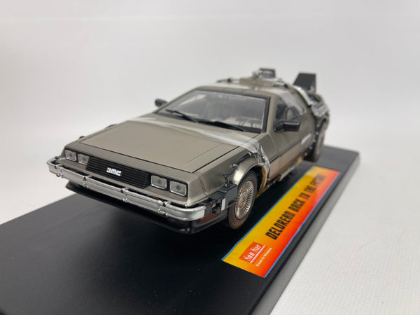 DeLorean . Back To The Future . Sunstar . 1/18 Scale. Boxed