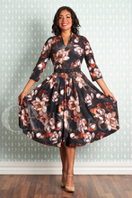 Laden Sie das Bild in den Galerie-Viewer, Swingkleid Amarina, floral