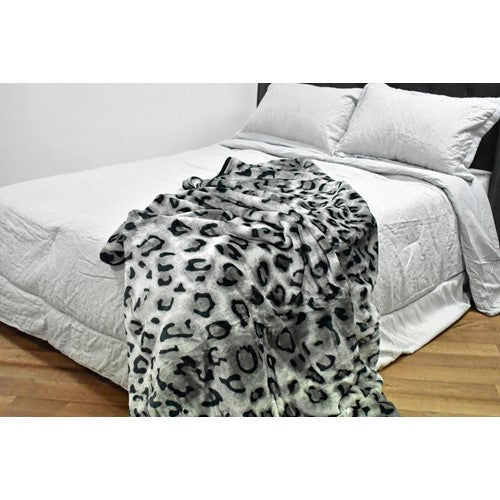 bedding, blanket, children, dog, leopard, mink, queen bed, warm, winter, Perth, Western Australia, Winter, Cold, Manchester, Delivery, Warm, Bargain, Value, Quality