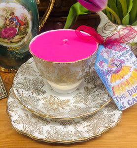 Pretty 1940s Colclough Gold Leaf Chintz Soy scented Teacup