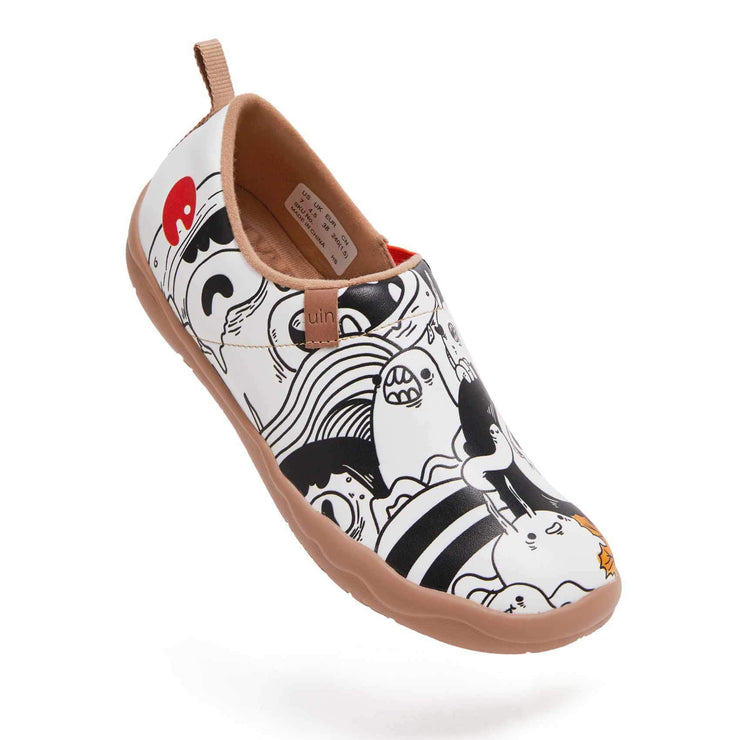 UIN Footwear Women Fight with Insect Women Canvas loafers