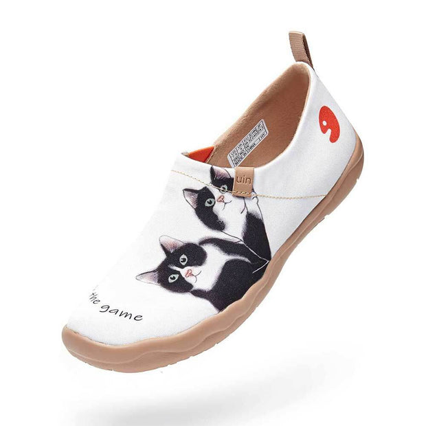 UIN Footwear Women Milky Kitty Women Canvas loafers