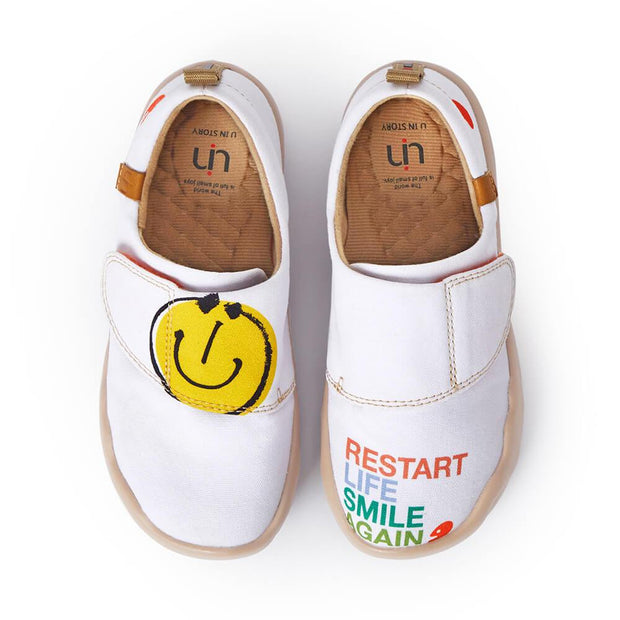 UIN Footwear Women Kid / 5C Smiley Canvas loafers