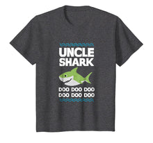 Laden Sie das Bild in den Galerie-Viewer, Uncle Shark T-Shirt Doo Doo Mommy Auntie Daddy Baby Tee