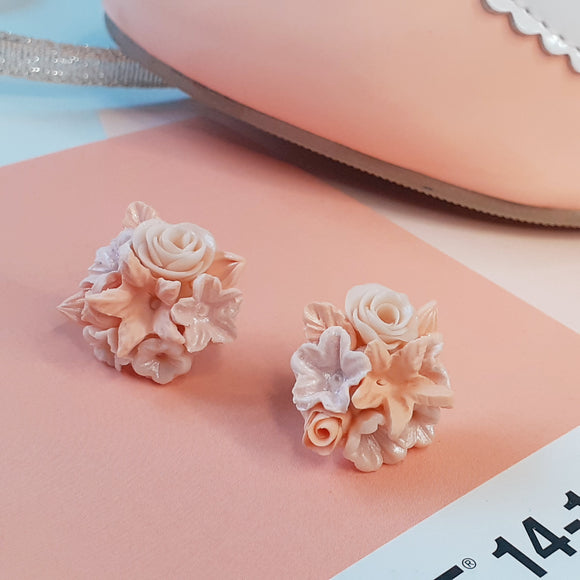 Flower bouquet studs - coral