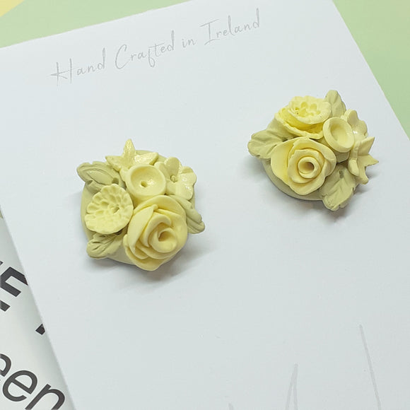 Flower bouquet studs - yellow