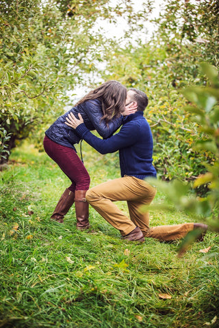apple orchard proposal, how to hire a photographer to propose at an orchard