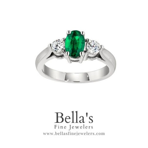 three stone rings, three stone emerald and diamond ring, bold three stone emerald ring, classic emerald and diamond rings