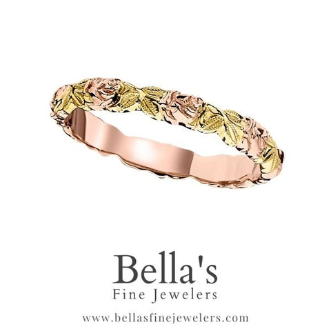 wedding rings with flowers, wedding bands with flowers, wedding rings with roses, wedding bands with roses, rose and leaf wedding bands, rose and leaf wedding ring
