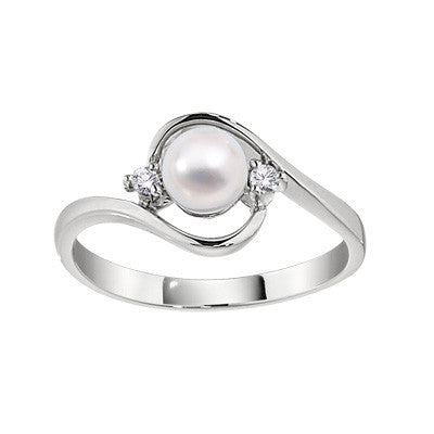 white gold pearl ring, modern pearl ring, contemporary pearl ring, pearl and diamond ring