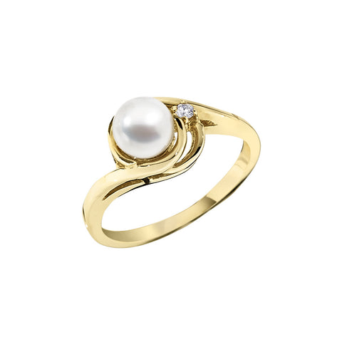 Single Diamond and Pearl Ring