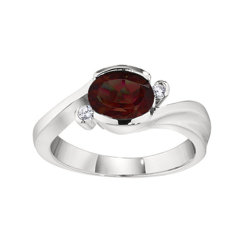 Modern Garnet and Diamond Ring