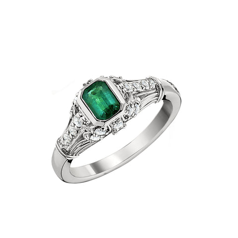 vintage rings in emerald and diamond