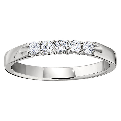 common prong diamond band, simple diamond band, big plain diamond band, big plain diamond ring