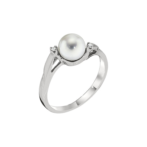 Pearl and Diamond Twist Ring in 14K White Gold