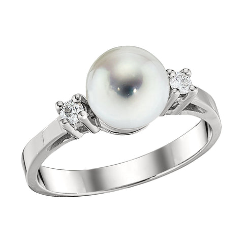 Large Diamond and Pearl Ring
