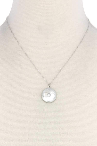 Yushikas Boutique Cubic Zirconia Metal Circle Locket Metal Necklace