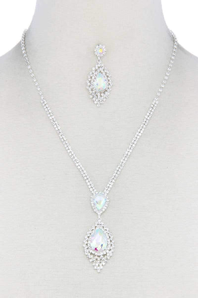Yushikas Boutique Rhinestone Necklace