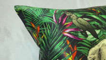Load and play video in Gallery viewer, Jungle Pure Silk Pillowcase