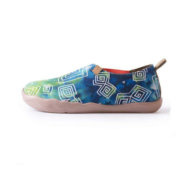 UIN Footwear Women Love in Spring Canvas loafers