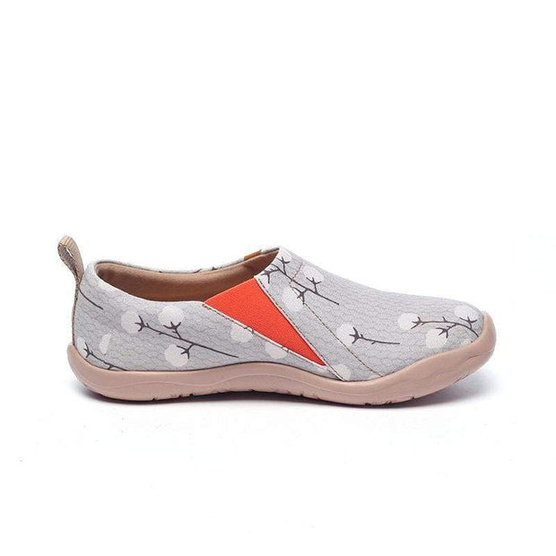 UIN Footwear Women Nude Cotton Canvas loafers