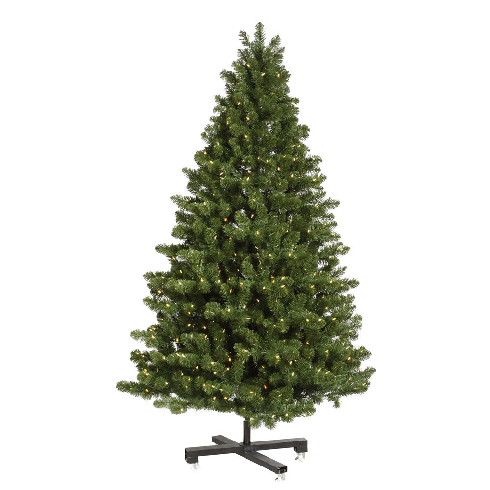 Vickerman 7.5Ft. Green 1367 Tips Christmas Tree 750 Clear Dura-Lit