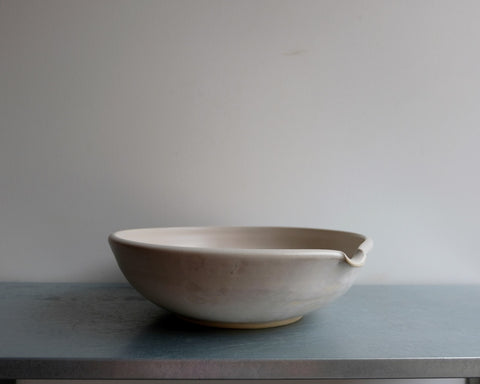 Bone Pouring Serving Bowl