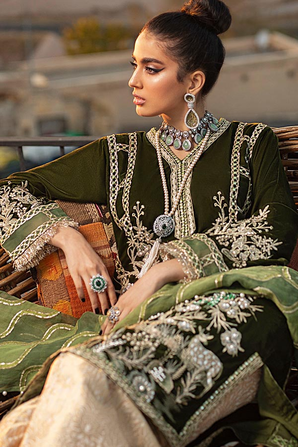 Mushq Velvet Winter Embroidered Unstitched 3 Piece Suit Collection MVW20-02