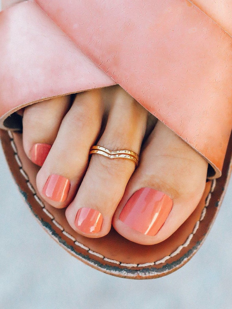 Pura Vida Chevron Toe Ring Gold