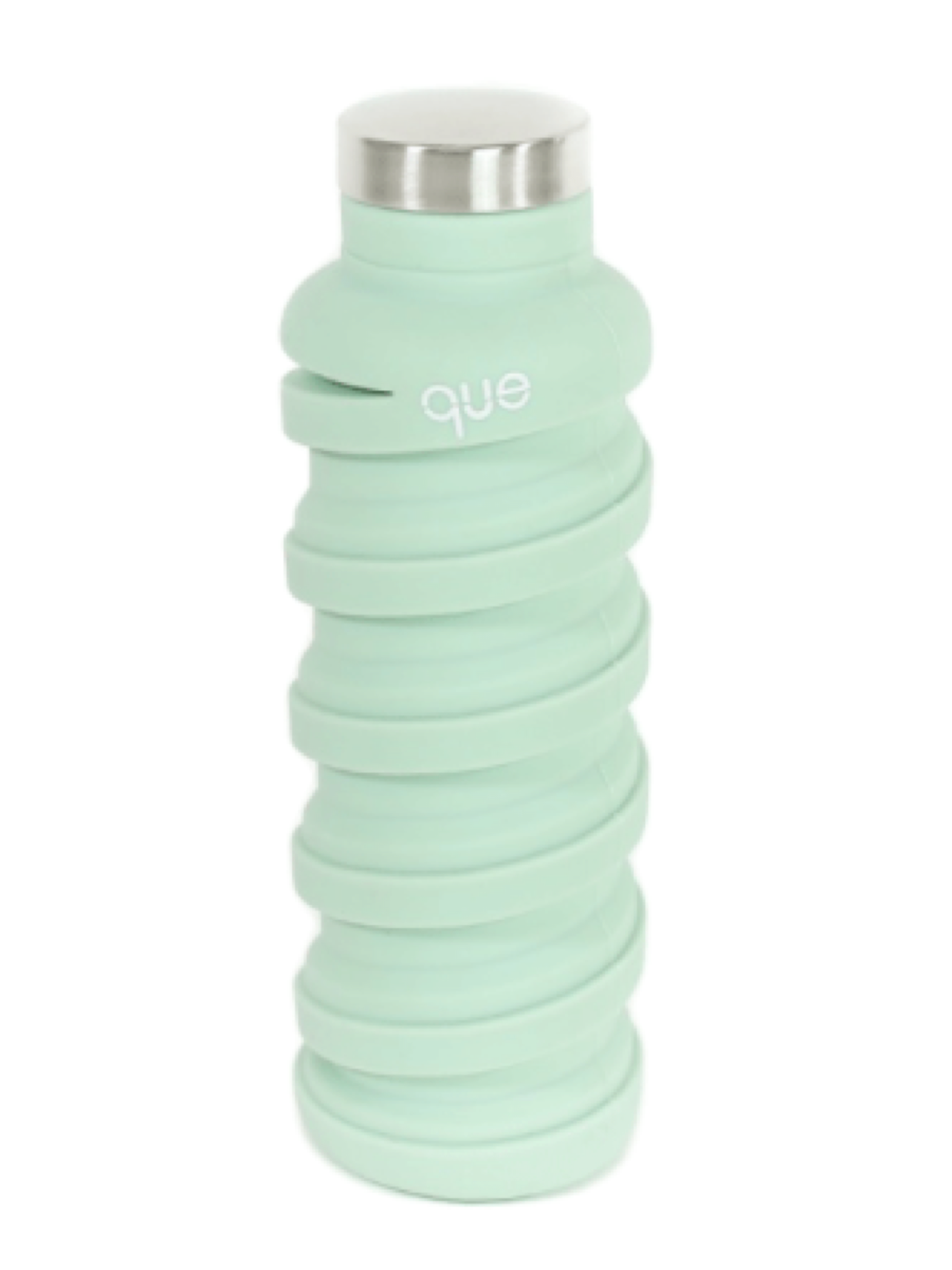 Que 20oz Water Bottle Dusty Sage