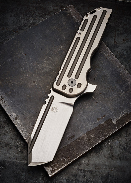 Alphahunter Tactical Design White Knight Warhorse - Free Shipping