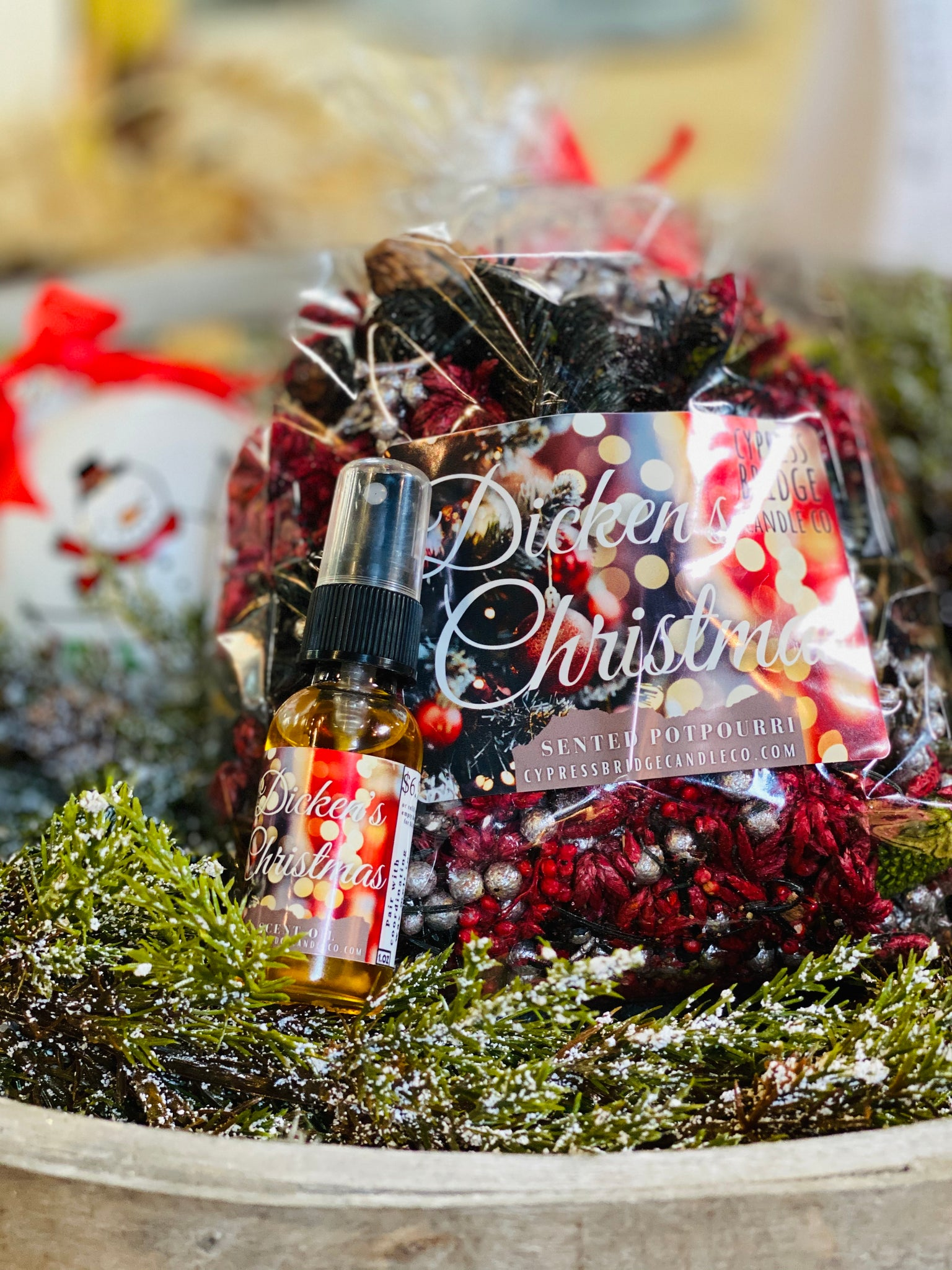 Dickens Christmas Scented Potpourri + Matching Spray Refresher