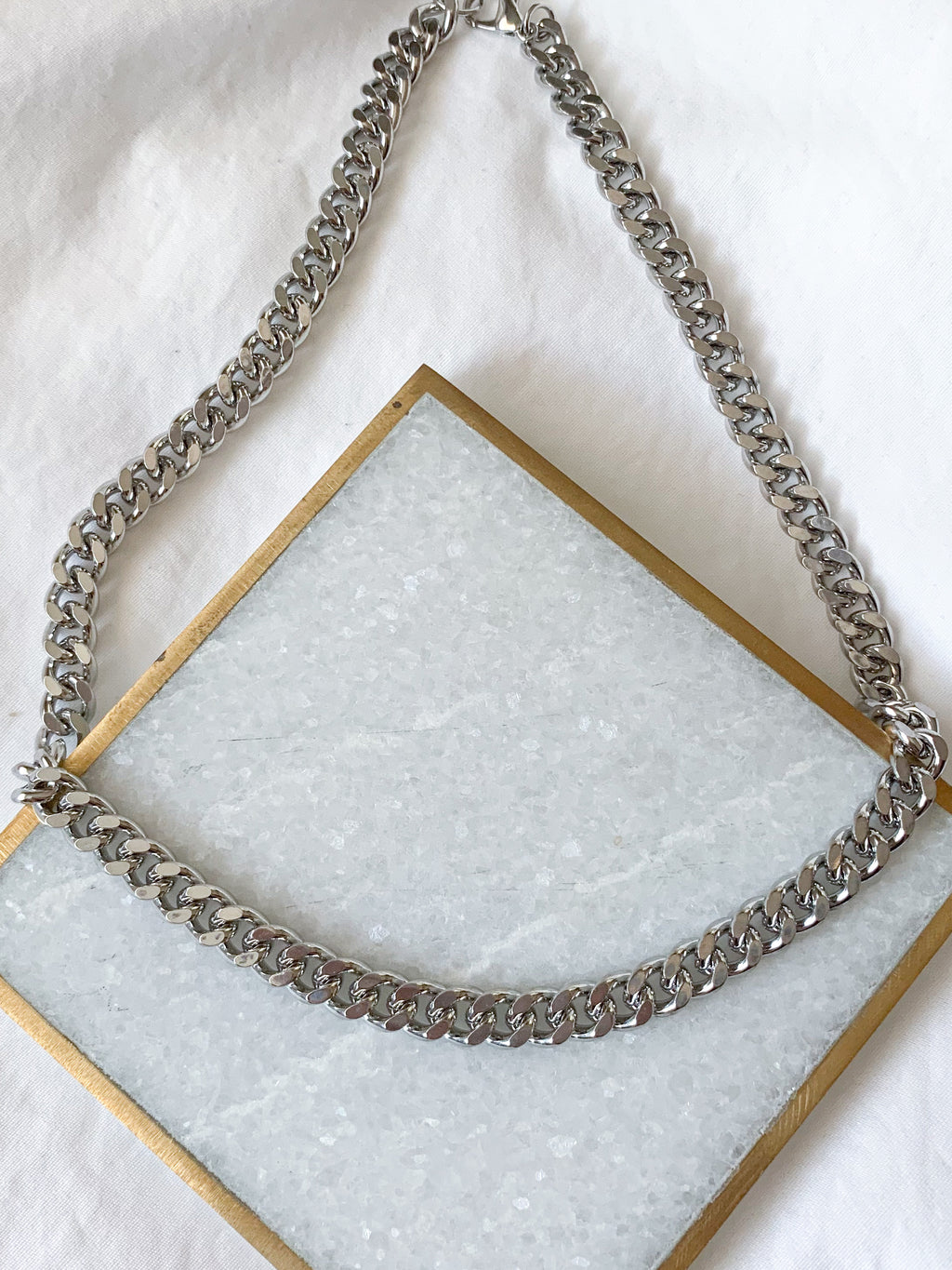 Briella Clasp Curb Chain Necklace (Silver)