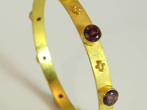 Rhodolite Garnet 22kt Gold Bangle Bracelet
