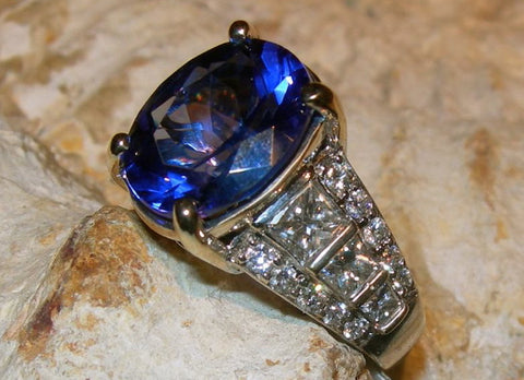 Tanzanite 18kt Gold Diamond Ring