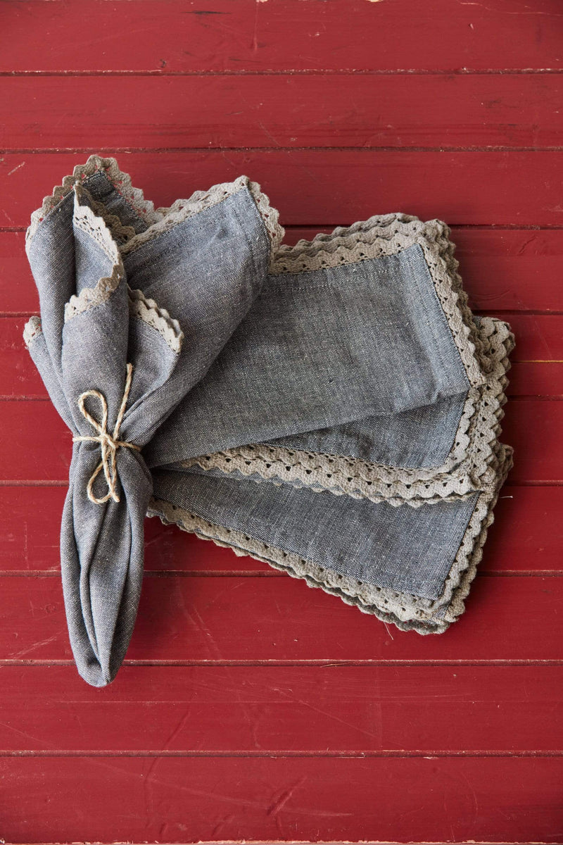 Laced Edge Napkin Set